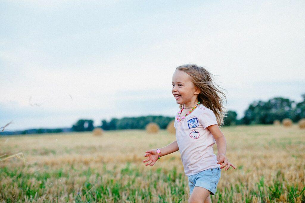 morning-walk-child-1024x682